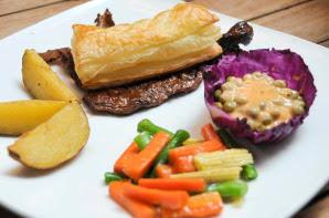 Bentuman Steak, Rasa Steaknya Membuat Ketagihan