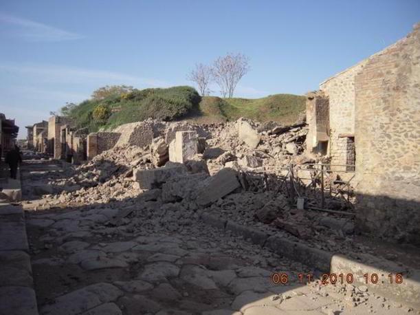 Il crollo della Domus del Gladiatore