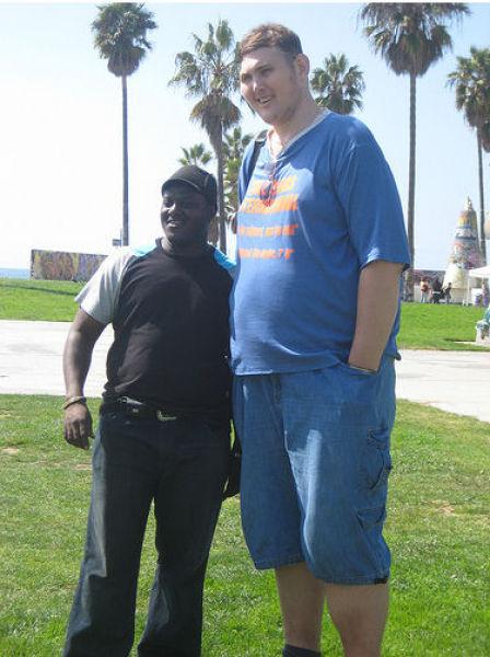 Igor Vovkovinskiy with man friend