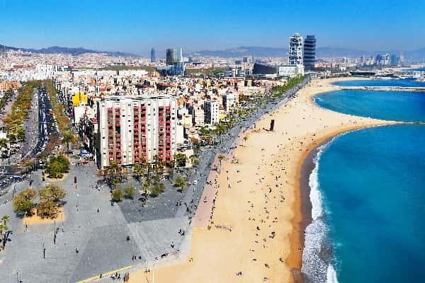 pantai Barceloneta