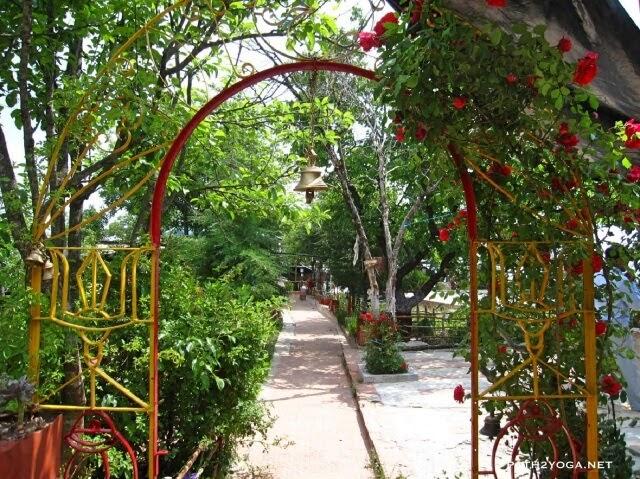 Pandavkholi dharamshala entry