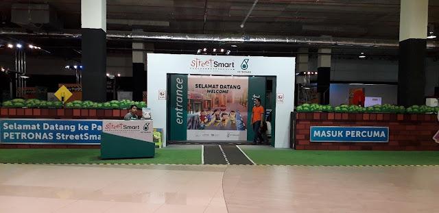 Pameran Petronas Street Smart