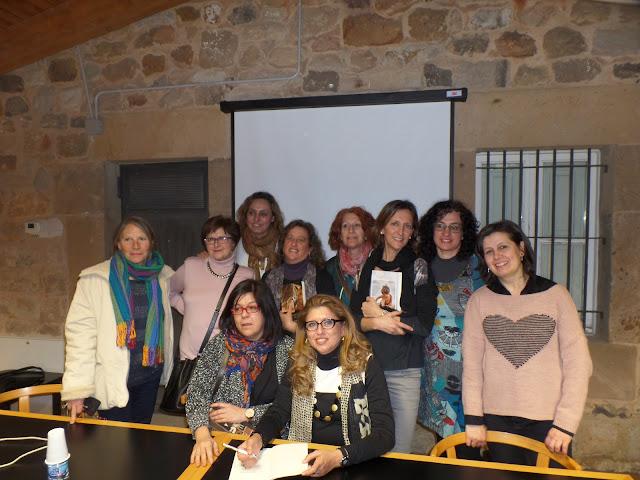 mujeres-lectura-libro-novela-escritora-biblioteca-aguilar-de-campo