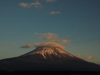 ふもとっぱらキャンプ場から眺める富士山