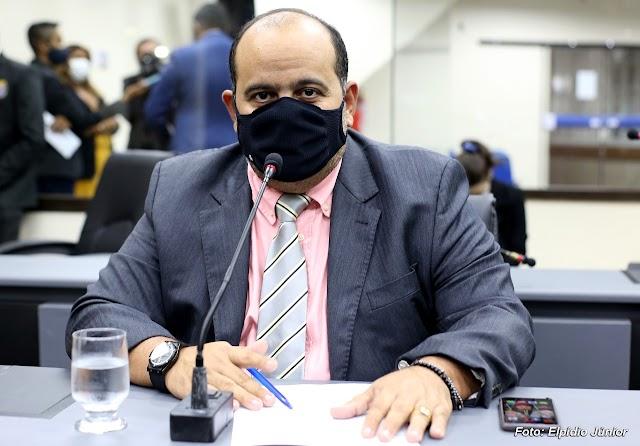 Vereador Hermes Câmara propõe ações eficazes para os setores do turismo e comércio local