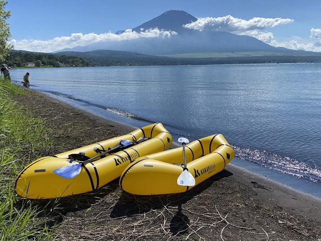 山中湖、富士山をバックにココペリのローグライトとトウェイン
