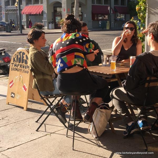 sidewalk seating at Rose's Taproom in Oakland, California