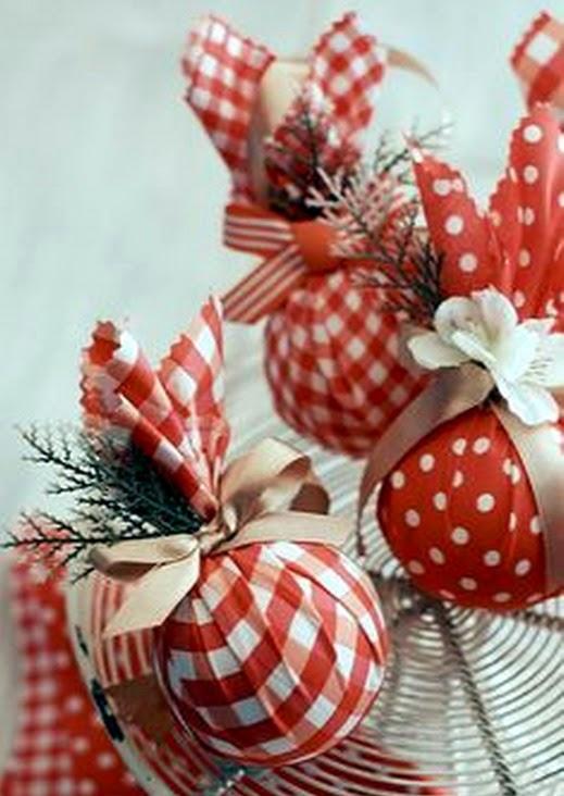 El mundo del reciclaje adornos de navidad hechos con for Bolas de navidad recicladas