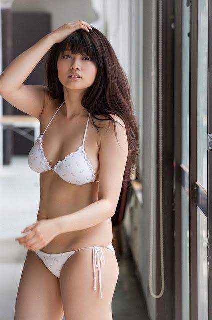 Mari Yamachi 山地まり Sexy Bikini Images 23