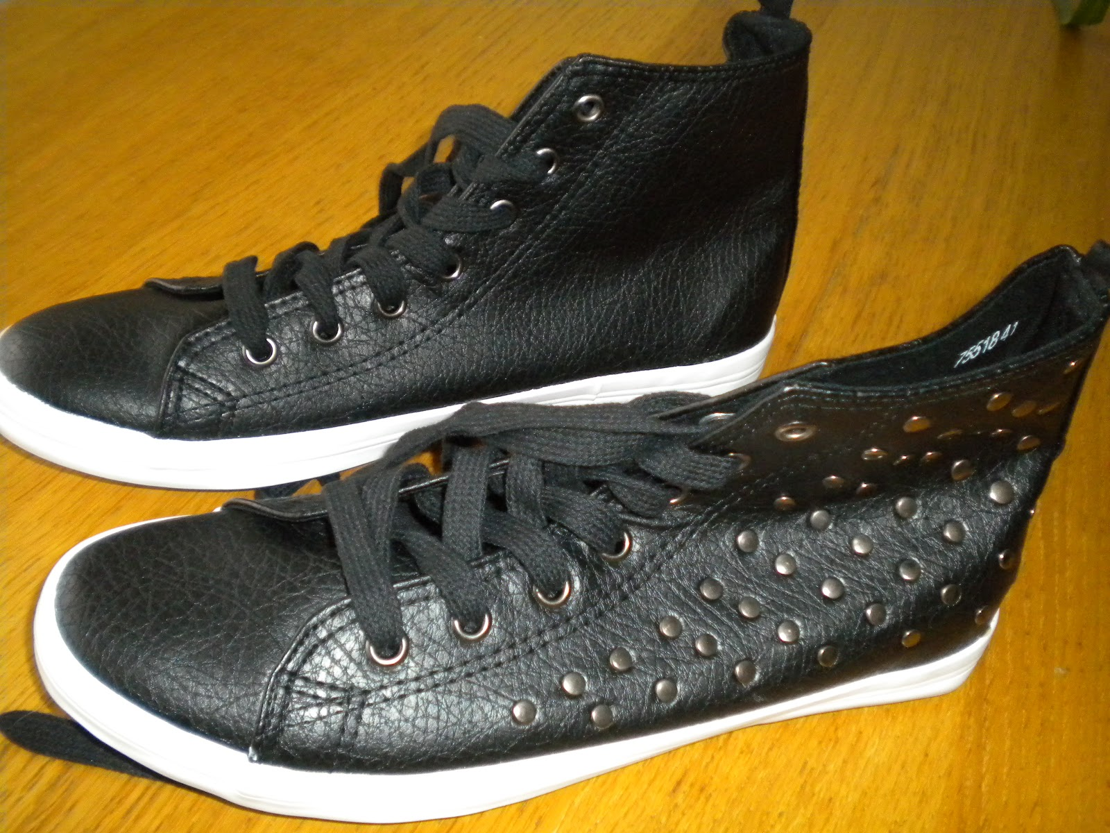 zapatillas tipo converse negras
