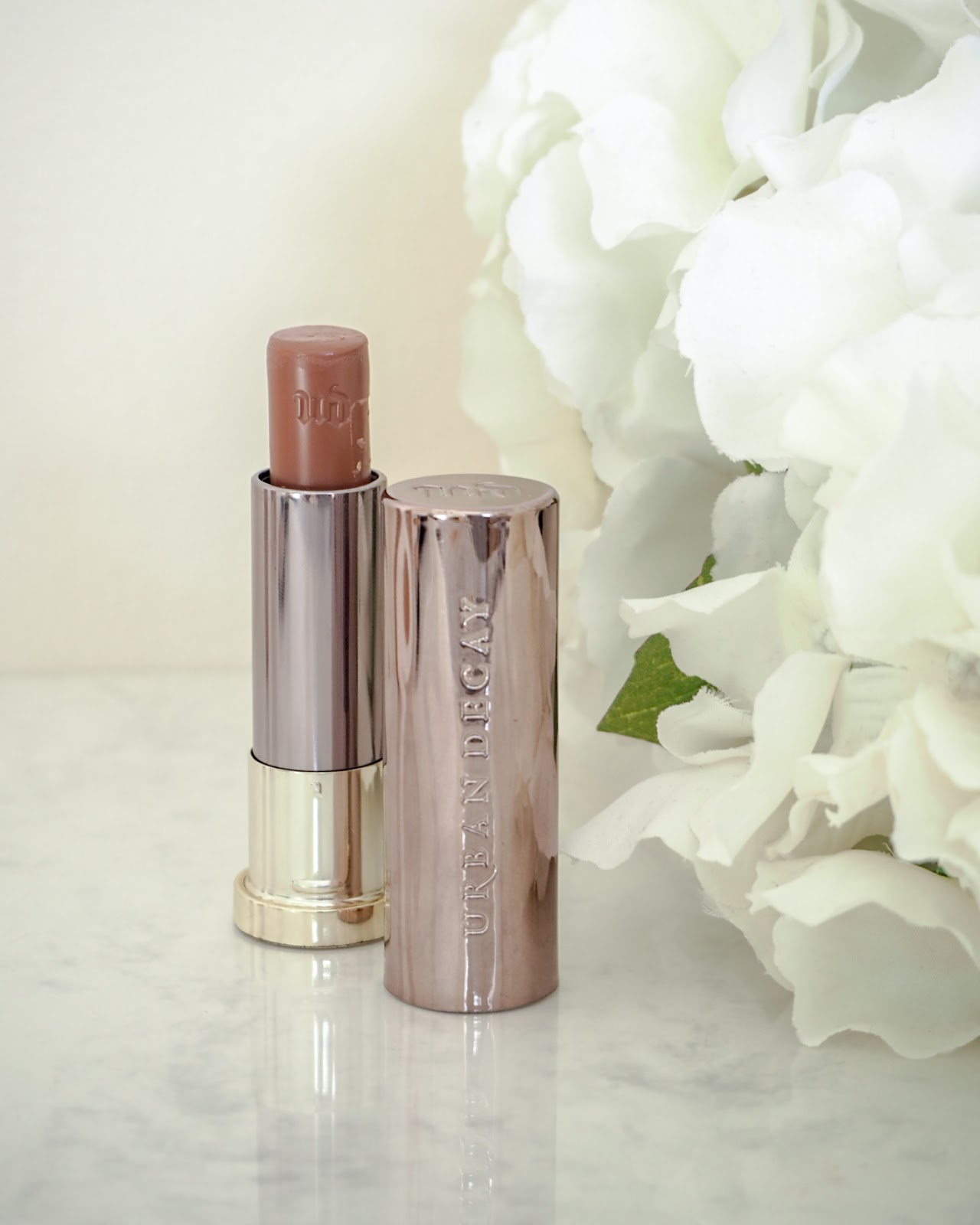 Urban Decay Comfort Matte Vice Lipstick in the shade 1993