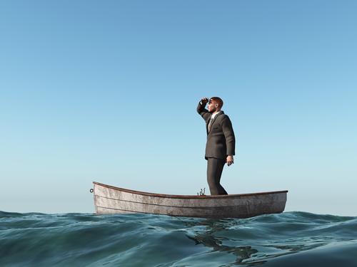 orang+tersesat+di+laut.jpg (500×375)