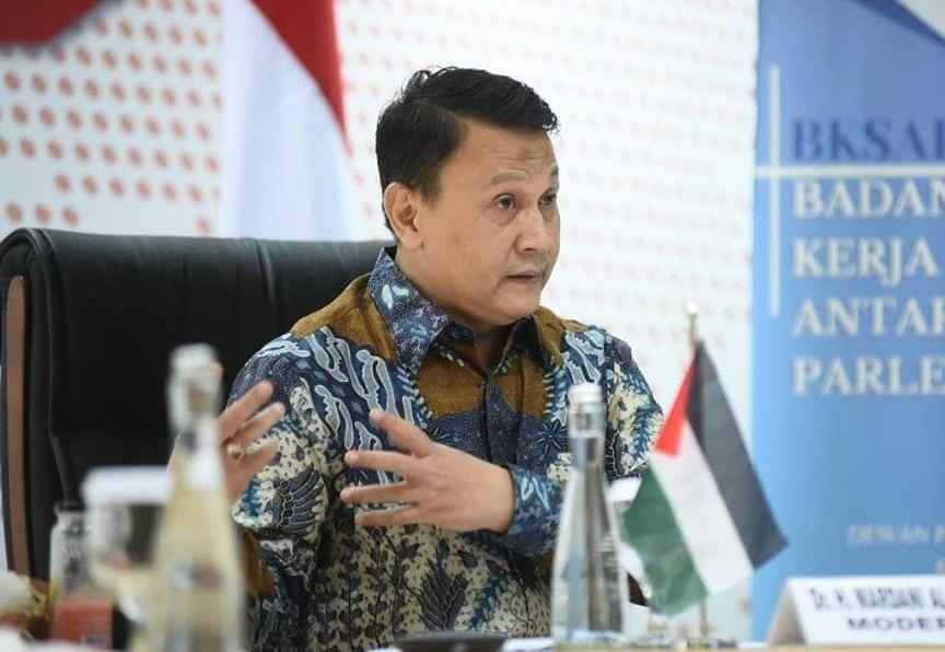 Tanggapi Survei Top Capres, PKS: Jangan Sampai Jadikan Jokowi Minat 3 Periode!