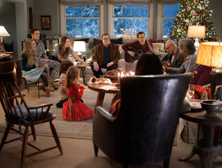 Sinopsis Film Love the Coopers (2015)