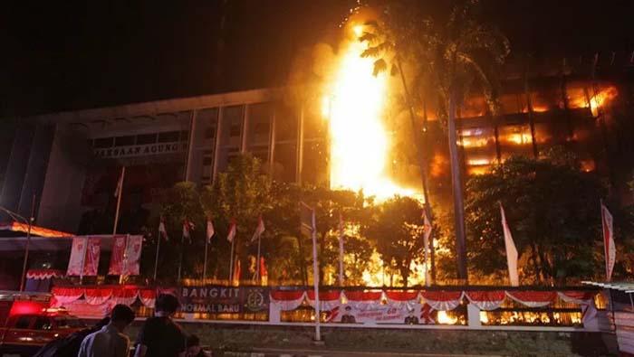 Kejagung Beberkan Kronologi Awal Kebakaran Terjadi