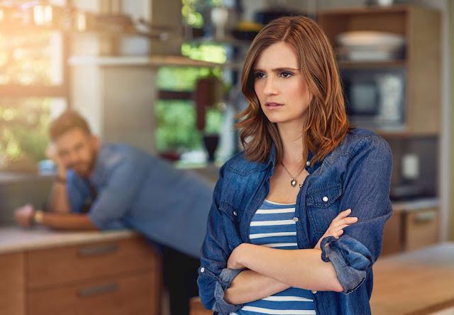¿Por qué las parejas infelices no pueden terminar su relación?