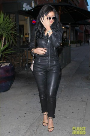 55b16892e5d Kylie Jenner Out in Beverly Hills