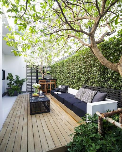 03. Desain taman minimalis di belakang rumah