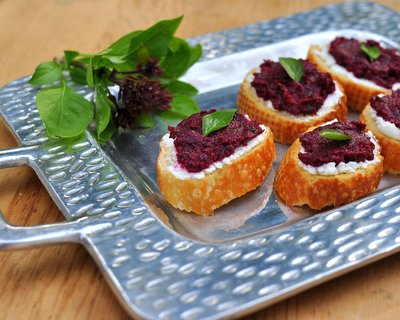 Beet Pesto, another healthy vegetable spread ♥ AVeggieVenture.com. Gorgeous Color. Budget Friendly. Quick to Make. Weight Watchers Friendly. Low Carb. Low Fat. Vegan. Gluten Free.