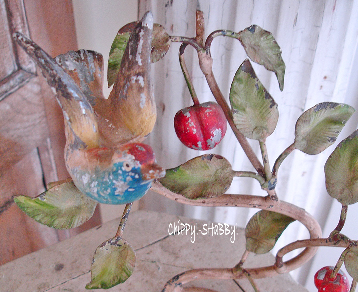 Chippy Shabby Best Vintage Tole Birdie With P A