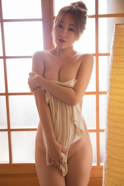 Hot and sexy big boobs photos of beautiful busty asian hottie chick Chinese booty model Wang Yu Chun photo highlights on Pinays Finest sexy nude photo collection site.