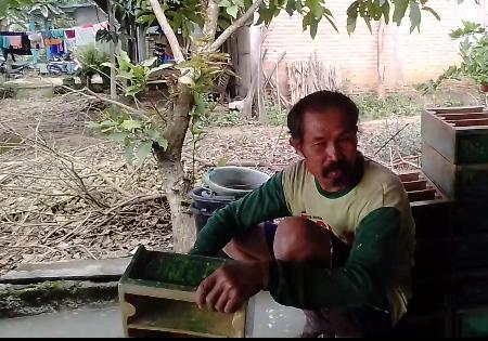 Melihat Kerajinan Batako Buatan Supandi Asal Desa Sumber Jatipohon Grobogan
