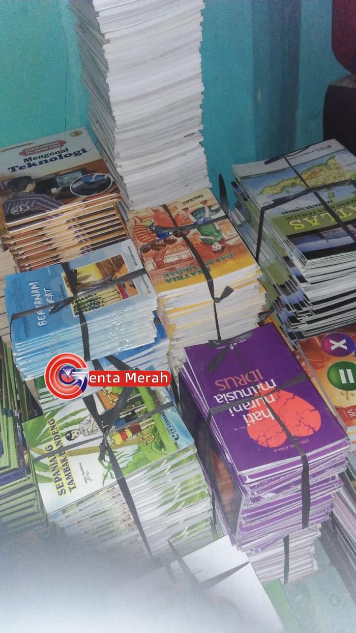 Dukung Program KIS Lampung, Genta Merah Salurkan Buku Gratis ke SMKN2 Terbanggibesar