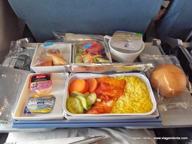 Refeição a bordo na Saudia Airlines