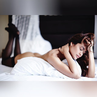 Esha Gupta Without Clothes On Bed