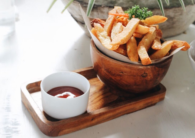 fried potato wedges nook bali menu