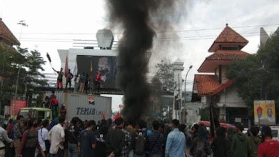 30 Demonstran Tolak UU Cipta Kerja di Makassar Reaktif Covid-19