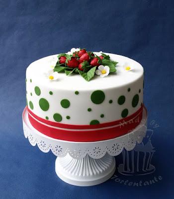 strawberry cake fondant