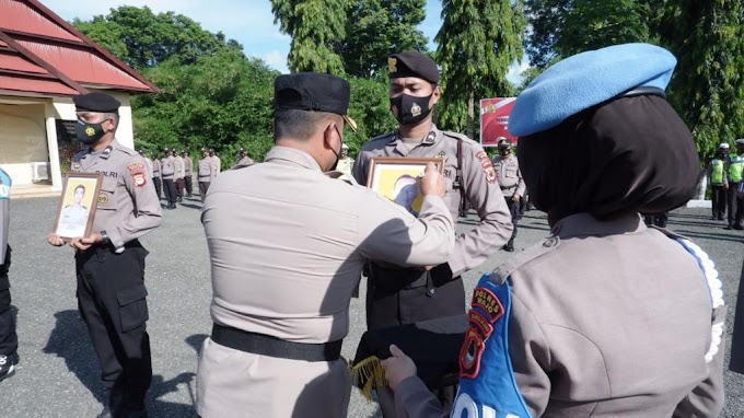 Dua Personel Polres Wajo Diberhentikan Tidak Dengan Hormat, hari Jumat (18/06/21)