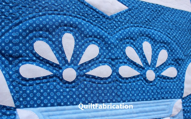 Frosty Lace center quilting
