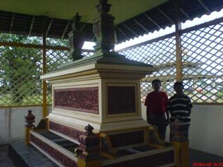 7 Makam Wisata Religi di Sambas