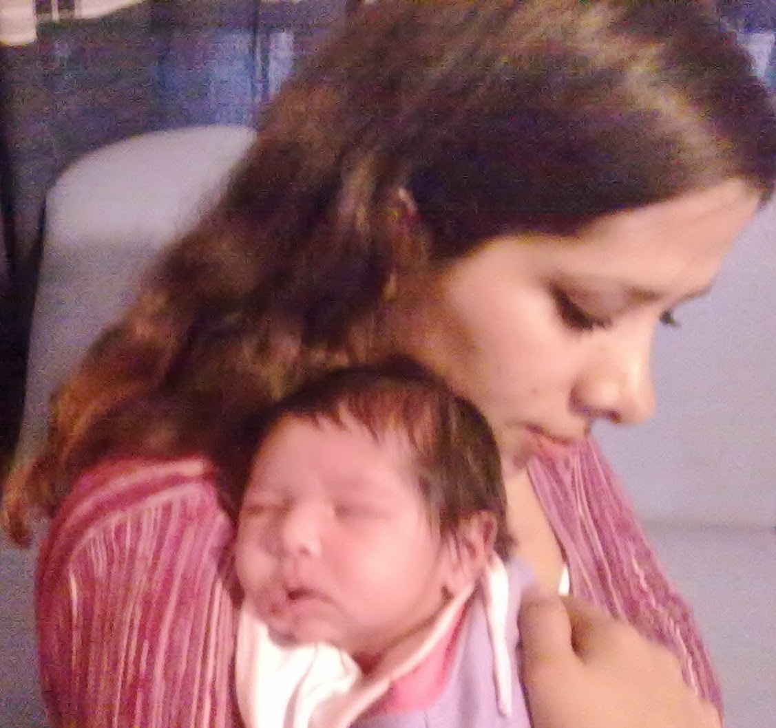 Jéssica-de-la-Portilla-Montaño-Héctor-Juárez-Lorencilla-bebé-todomepasa-fotos-de-recién-nacido