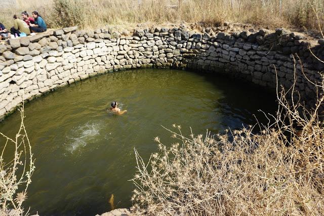 מים עמוקים בעין מוקש