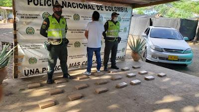 hoyennoticia.com, Le encontraron 20 kilos de coca en la defensa del vehículo