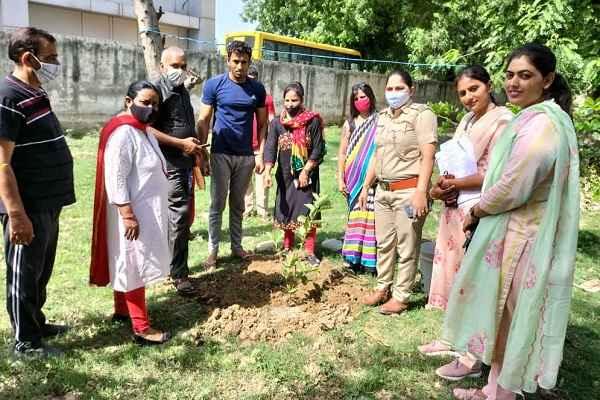 women-thana-nit-faridabad-plantation-world-environment-day