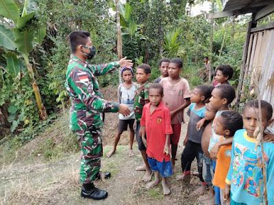 TNI Berikan Pemahaman Pentingnya Cinta Tanah Air Kepada Anak-anak di Papua