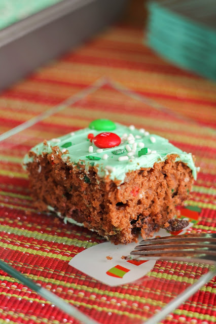 Hot Cocoa Snack Cake | The Chef Next Door #BakeInTheFun