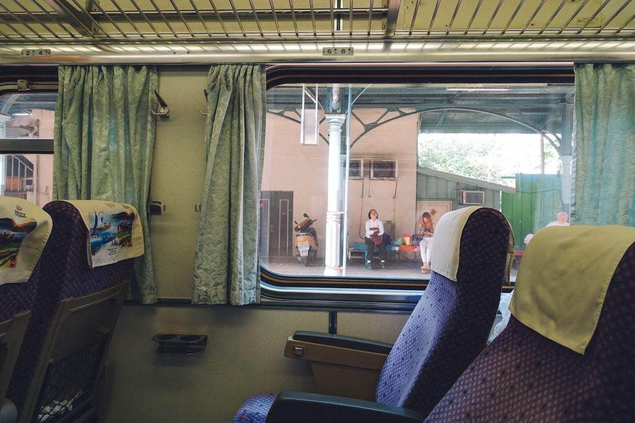 台湾鉄道 自強号の車内