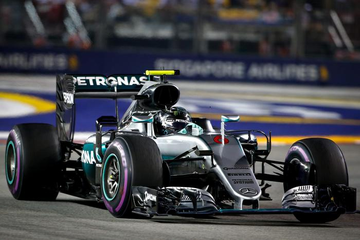 F1: Gp Singapore, terze libere a Rosberg
