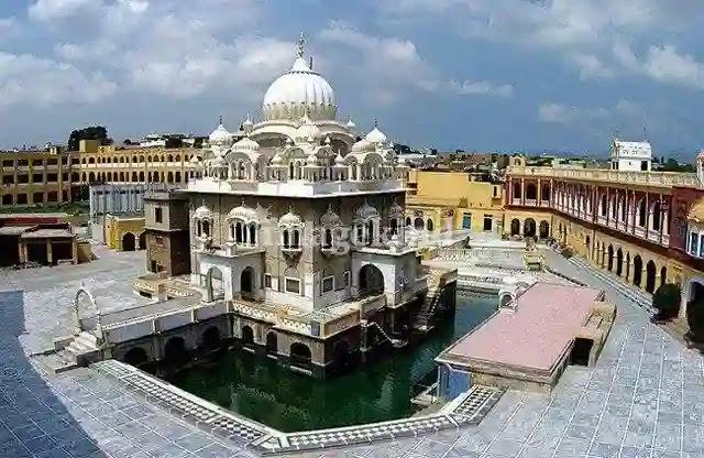 गुरुद्वारा पंजा साहिब का इतिहास | Gurdwara Panja Sahib History in Hindi