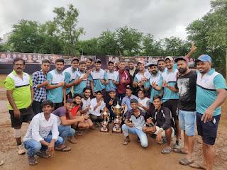 #JaunpurLive : श्री दुर्गा क्रिकेट टूर्नामेंट टीम ने जीता फाइनल मुकाबला