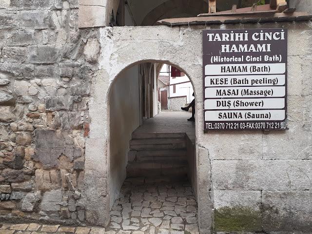 Tarihi Cinci Hamamı girişi - Safranbolu, Karabük