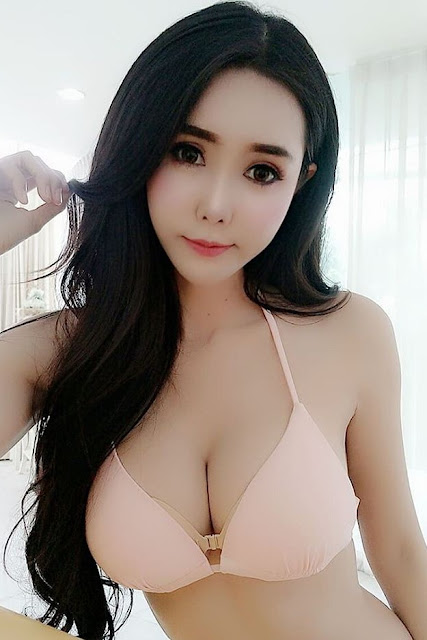 Hot and sexy big boobs photos of beautiful busty asian hottie chick Thai booty model Noey Cawaii photo highlights on Pinays Finest sexy nude photo collection site.