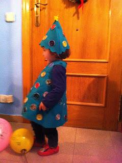 Disfraz casero árbol Navidad fieltro