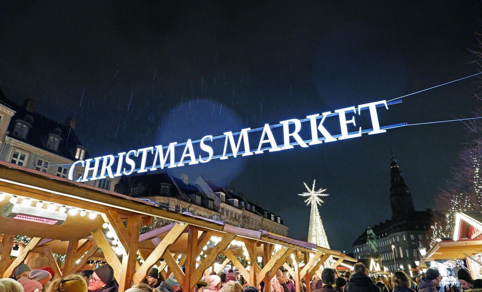 Højbro Square Christmas Market in the rain