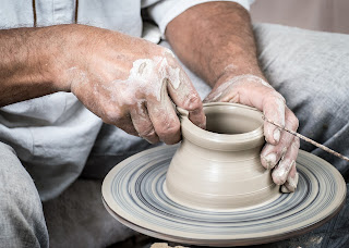 What do we mean by ceramics